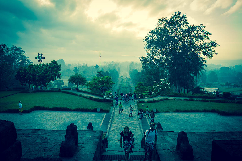 Tempel Borobudur Java Indonesia Sarong Buddhist Budha Religion / Tempelanlage Indonesien