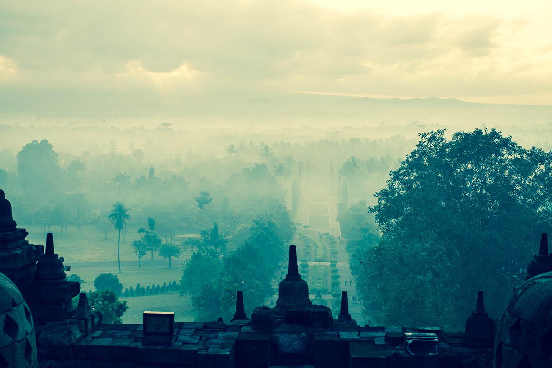 Tempel Borobudur Java Indonesia Fog Sunrise Sunset / Tempelanlage Indonesien Sonnenaufgang Sonnenuntergang