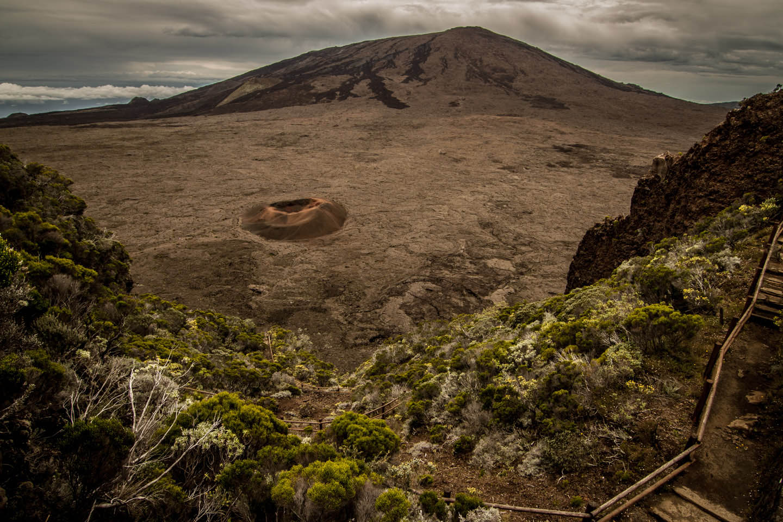 Piton de la Fournaise Shield Volcano Peak of the Furnace Réunion / Aktiver Vulkan La Reunion