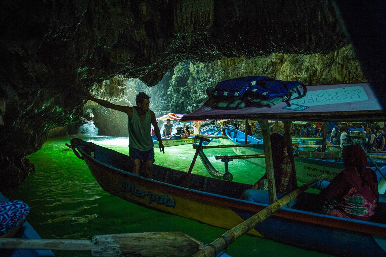 Green Canyon Pangandaran Java Indonesia Idul Fitir holidays / Indonesien Ferien voll Feiertag Wochenende