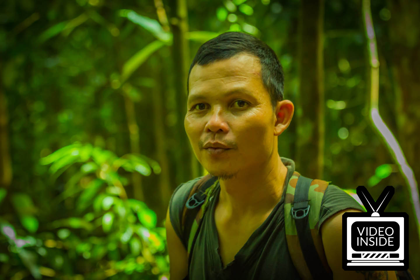 Independent jungle track guide Eru in Bukit Lawang Sumatra