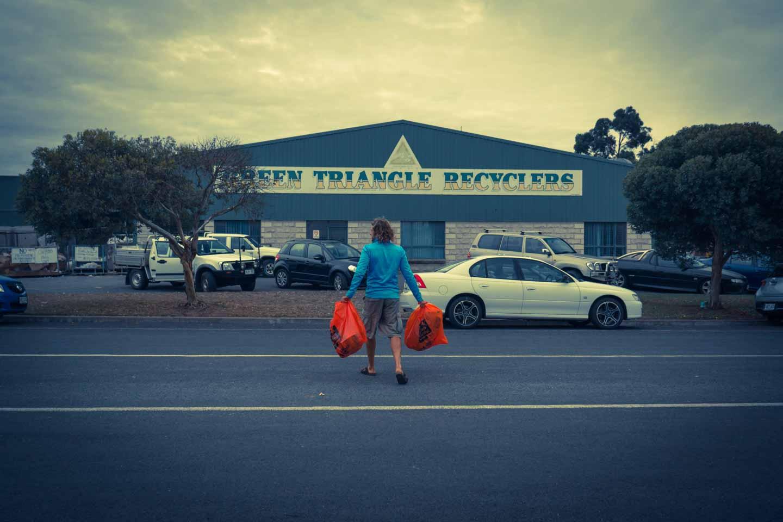Nico Sebastian Hopp Recycling in Australia for  YKUT YouKeepUsTraveling